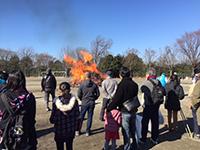燃え上げる炎